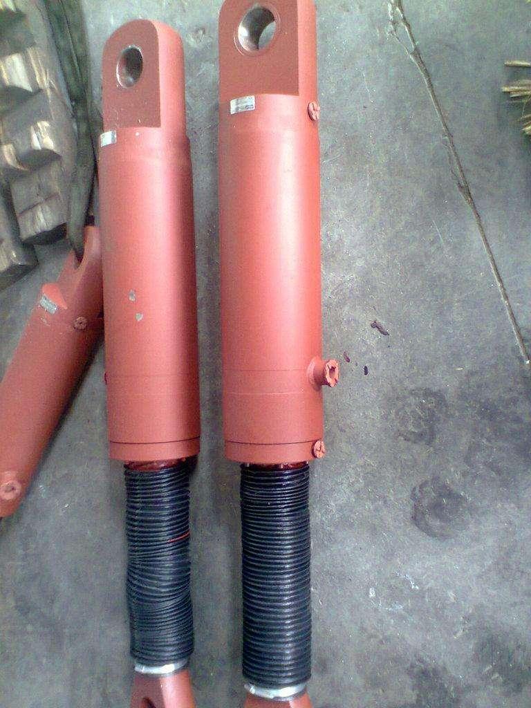 垃级设备专用液压缸