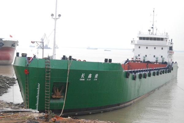 开泥驳船油缸 (2).jpg